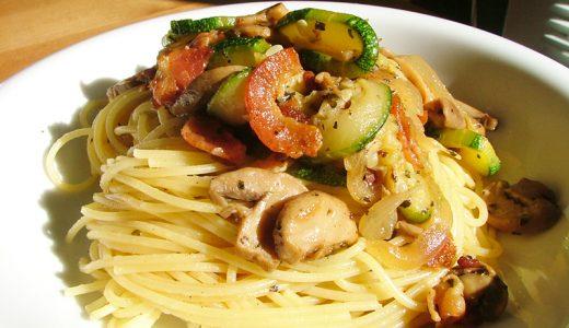 ズッキーニパスタ 夏のズッキーニで作ると最高!Zucchini Pasta